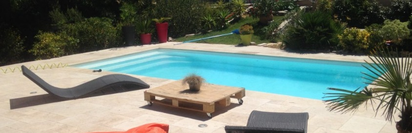 Valoriser son bien immobilier grâce à une piscine