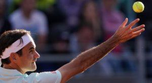 Federer et une balle de tennis